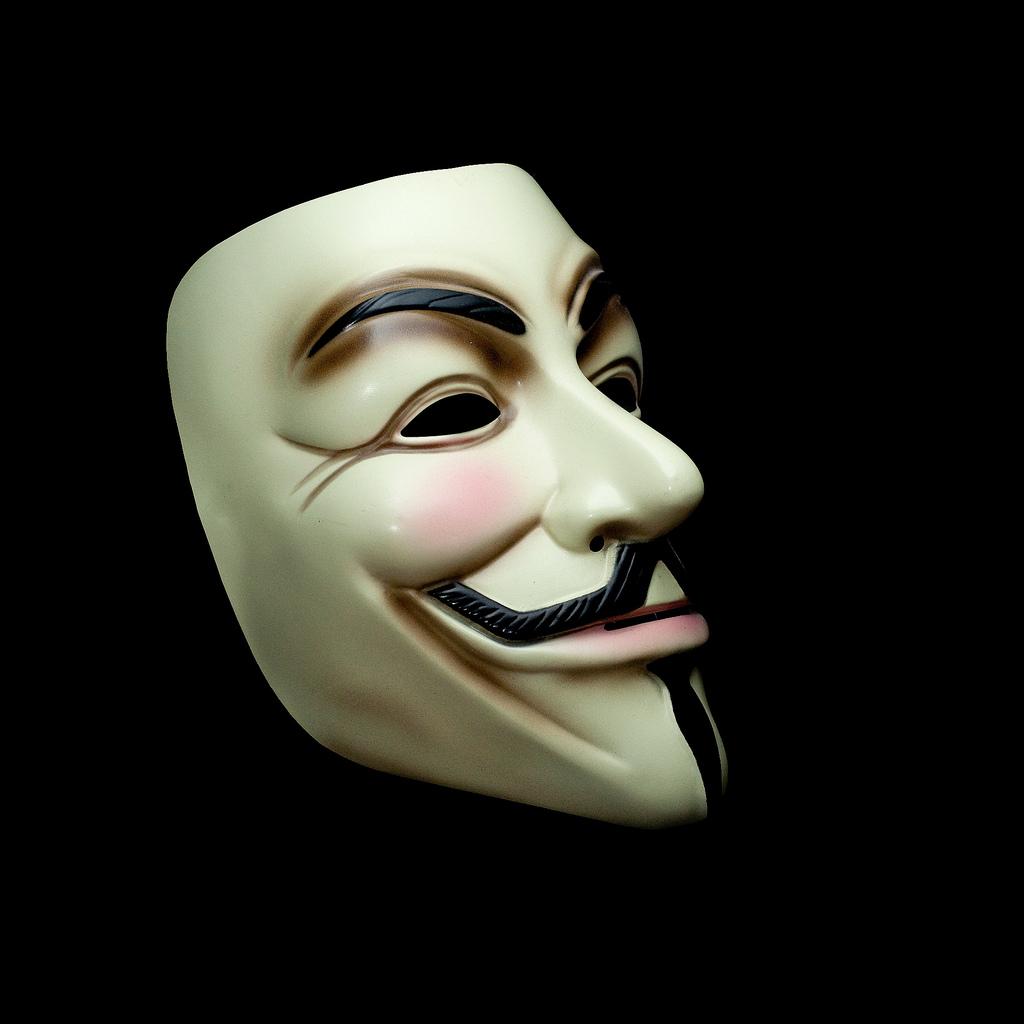 om care poarta o masca